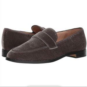 FRANCO SARTA Hudley Gray Velvet Loafer size 5.5